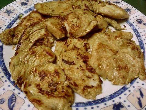 Fabulosa receta para Solomillo de pavo macerado y guisantes con jamón. Plato combinado para días que no puedes perder mucho tiempo en la cocina, muy completo y perfecto para dietas equilibradas con carbohidratos y proteínas de alta calidad. Guisantes con jamón: https://Cookpad.com/cl/recetas/792963-guisantes-con-cebolleta-y-jamon?ref=search Solomillo de pavo macerado: https://Cookpad.com/es/recetas/ 787918-aderezo-para-macerar-filetes-a-la-plancha