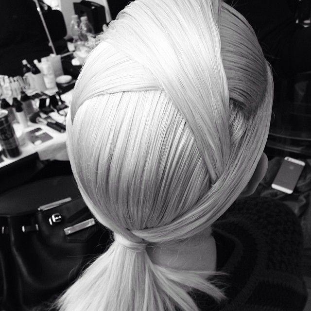 The origami hair of the #Fendi show, by hair stylist @Sam McKnight #MFW  (à Via Solari)