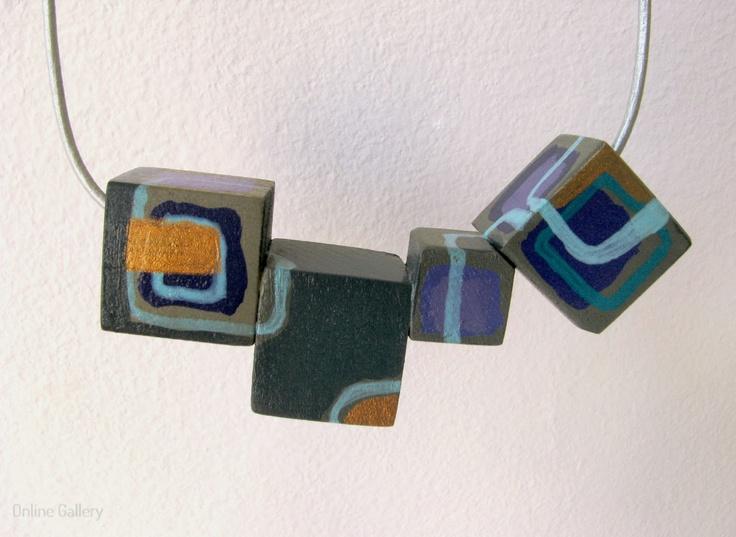 colier-cuburi-gri-deco