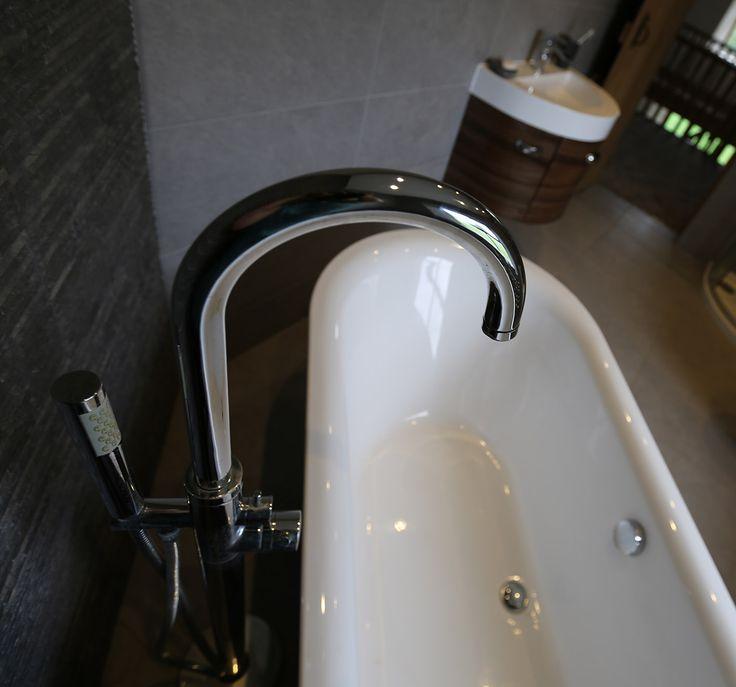 big stand alone bath tap