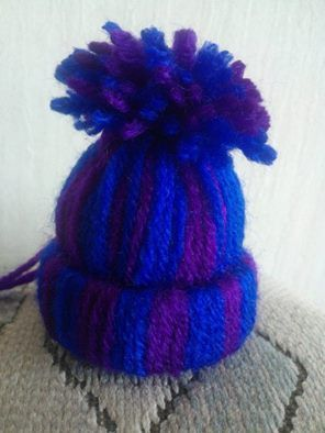 Little woolly hat for the Christmas tree