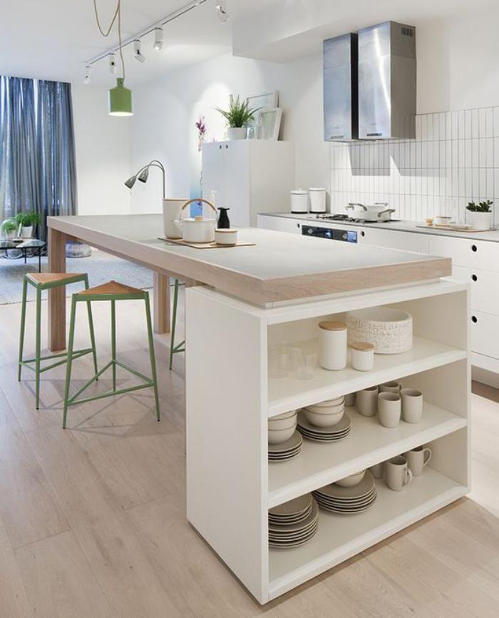 cuisine avec ilot, ilot de cuisine en blanc et bois, cuisine claire et épurée