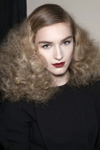 7 hairstyles that will give your hair added volume.