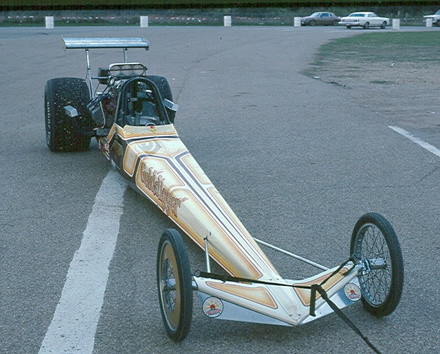 Golddigger AA Fuel Dragster, 1975