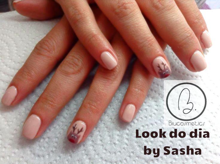 Hoje no nosso #lookdodia temos o trabalho da nossa técnica Sasha Crane-Smith!!  O nail art com uma rena alusivo ao Natal desenhado por a nossa técnica :) A cor utilizada pode visualizá la aqui no nosso link: http://biucosmetics.com/light-rose.html