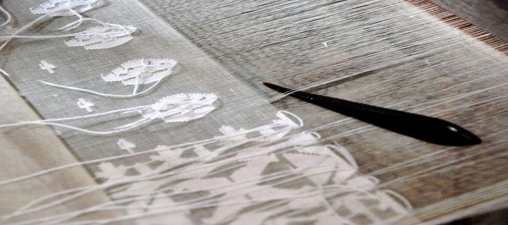 Manufacturer and Wholesaler all Types Khadi Fabric Like Muslin Khadi Fabric ,Murshidabad Silk Fabric , Matka Fabric...