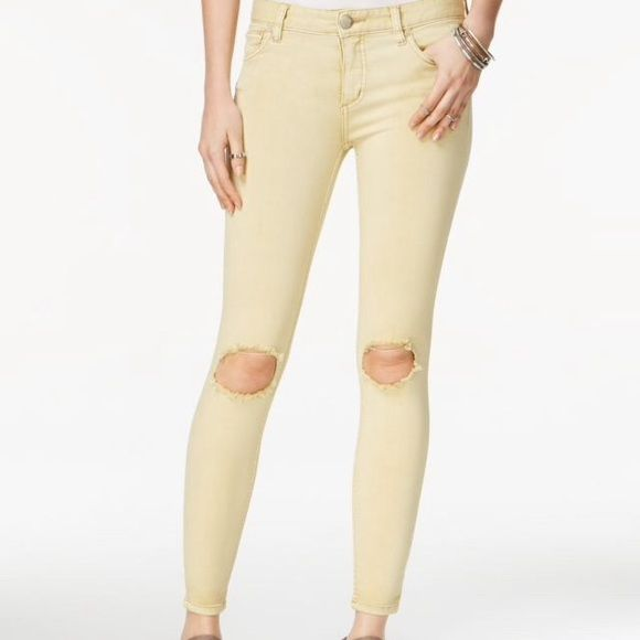 Free people ripped skinny jeans NWT. Citrine wash. low rise, cropped jeans. 26W x 28L. They feel great and look fabulous on! Free People Jeans Ankle & Cropped