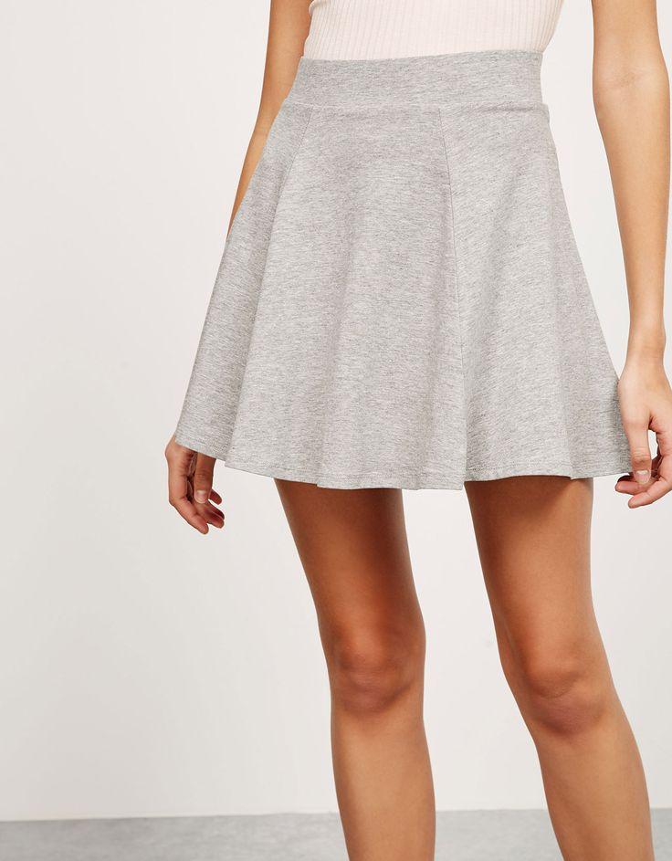 Falda 'Jersey '. Descubre ésta y muchas otras prendas en Bershka con nuevos productos cada semana