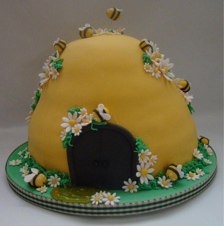 bijenkorf taart voor een 2-jarig meisje