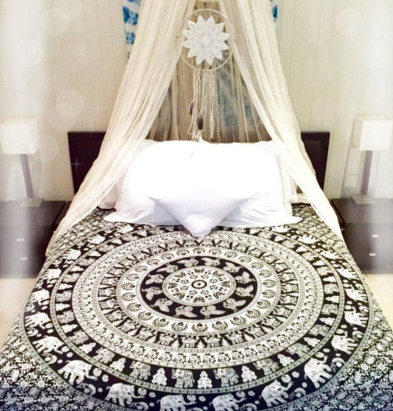 ❘❘❙❙❚❚ ON SALE ❚❚❙❙❘❘   Beautiful White Base on Black Indian Screen Printed Cotton Bedspread Tapestry in Elephant Print. This gorgeous piece of art