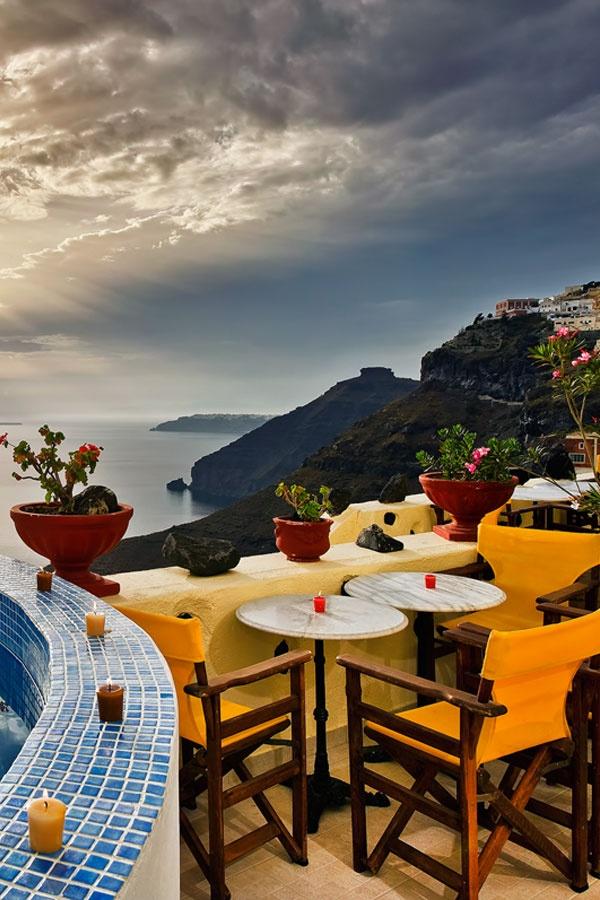 Santorini, Fira caldera