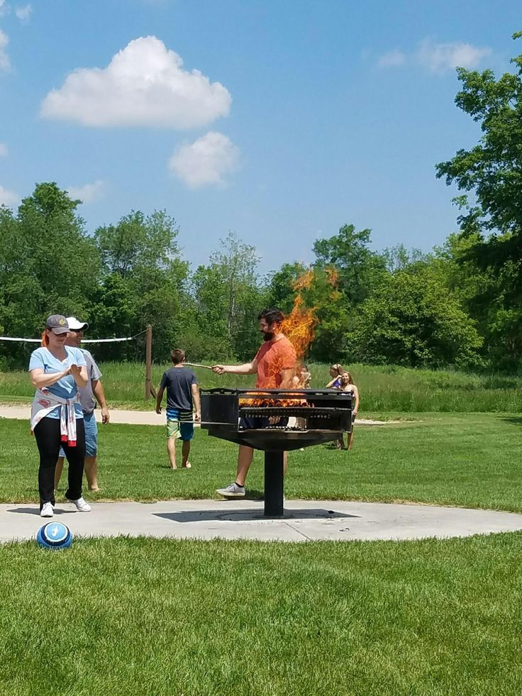 This photo of me standing behind a grill looks like I'm on fire. http://ift.tt/2uP360B