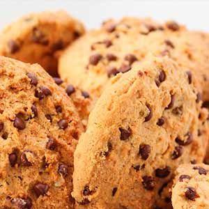Receta de Cookies, descubre cómo hacer las auténticas Galletas tipo americanas rellenas de chispas de chocolate de forma casera y fácil.