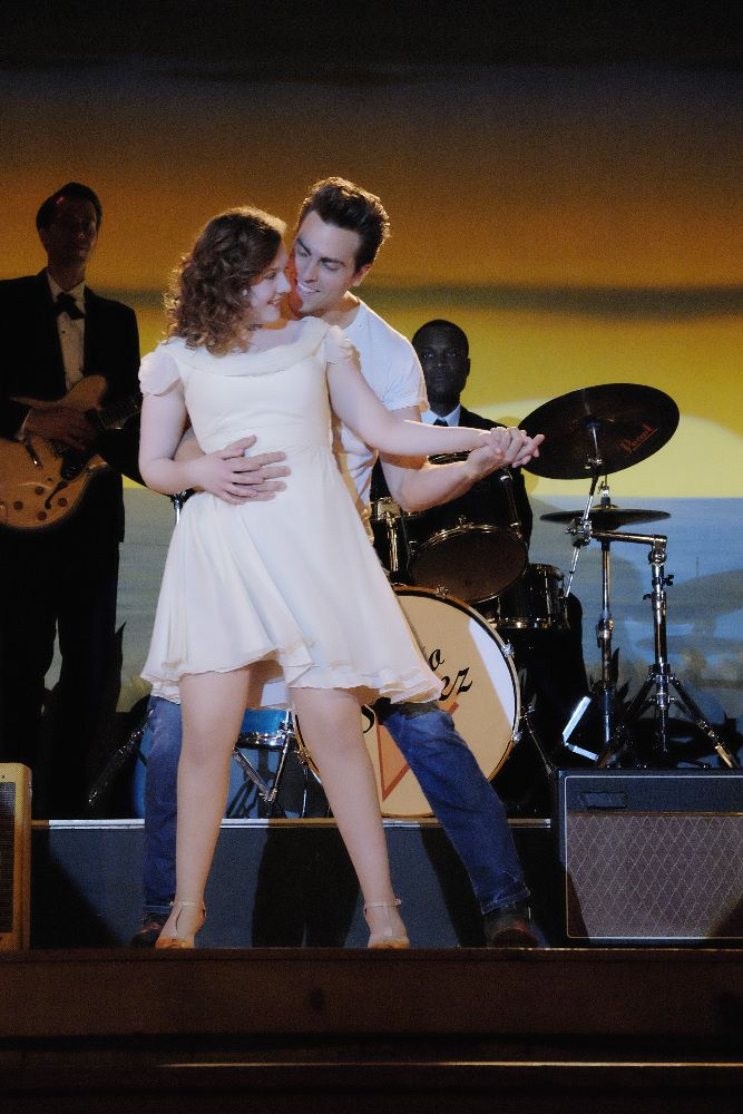 Dirty Dancing (2017) Colt Prattes and Abigail Breslin Image 7 (14)