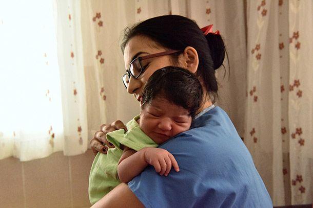 Bornova Belediyesi'nin son 3 yılda evde bakım hizmetlerinde 45 bin 263 ev ziyareti gerçekleştirirken, hasta nakil çalışmalarında 7 bin 486 nakil, gebe eğitim konusunda da 263 eğitim sınıfında hizmet verildi. Ayrıca Bornova Belediyesi tarafından 2011 yılında hizmete açılan Özgül Gündüz Halk Sağlığı Merkezi'nde ise randevu sistemi ile çalışan diyetisyen ve diş hekimi de bulunuyor. Bornova Belediyesi'nin Evde Bakım Hizmetleri her geçen yıl artarak devam ediyor. Hizmetler kapsamında oluşturulan…