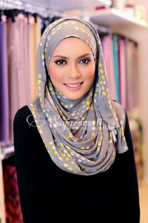 Pretty in polka dot hijab....