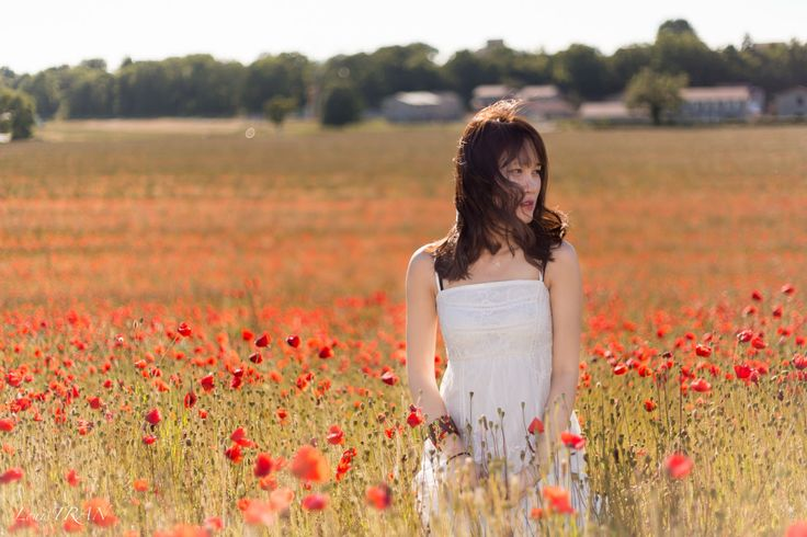 Berry in poppy field 2 by Louis TRAN on 500px