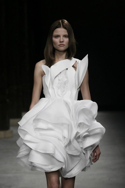 Magdalena Frackowiak at Givenchy Haute Couture by Riccardo Tisci spring/summer 2008.  /Apocalypse Mjau