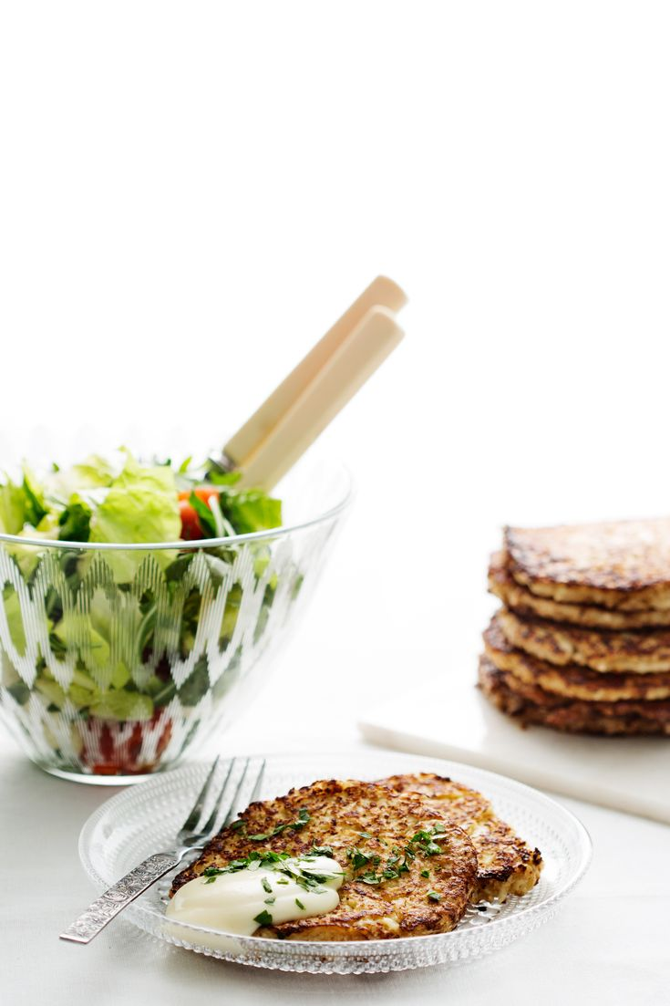 Moderate low carbModerate low carbFat78%Protein11%Carbs9%1 g carbs / serving Medium 5 + 15 m5 minutes preparation15 minutes cooking time Delicious cauliflower pancakes that you can enjoy by themselves or with homemade mayonnaise or a hearty salad, or serve as a side dish, just like hash browns. Ingredients 4 servings 1 lb (450 g) cauliflower, 1 …