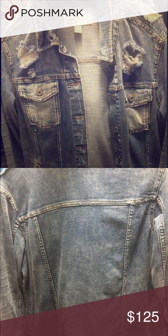 Arizona Jeans Company Men's Jean Jacket Sleeve Length: Long Sleeve Fit: Slim Outerwear Length: Short Warmth Factor: Midweight Number of Pockets: 4 Fabric Description: Denim Fabric Content: 100% Cotton Closure Type: Button Care: Machine Wash Arizona Jean Company Jackets & Coats