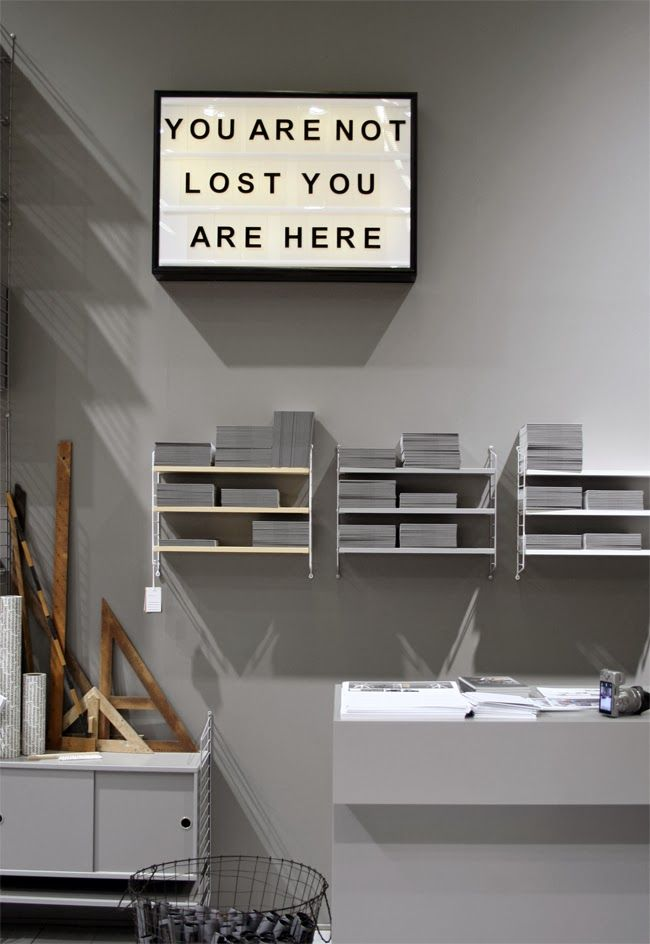 STIL INSPIRATION: Furniture Fair   Grey shades, String shelves