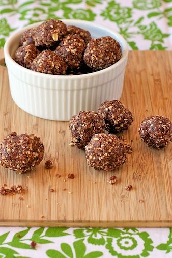 No Bake Chocolate Energy Balls from Our Family Eats. Gluten free, sugar free, dairy free, and vegan.