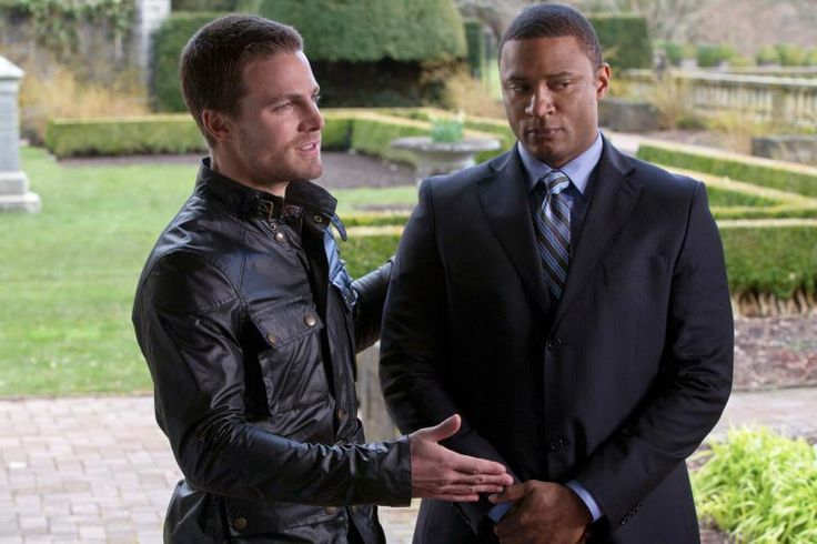 Arrow-Pilot -Stephen Amell as Oliver Queen and David Ramsey as Diggle in ARROW on The CW.