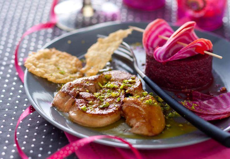 Foie gras poêlé, purée de betterave à l'huile de pistache