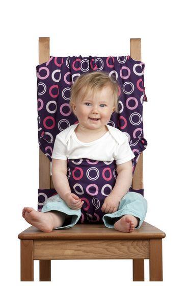 Arnés de tela. Arnés trona para bebés portátil de tela que se adapta a cualquier silla. http://www.mibabyclub.com/tienda/alimentacion-del-bebe/tronas-para-bebes/arnes-trona-para-bebes-ninos-lila-totseat.html