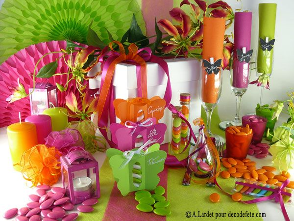 Un code couleur parfait avec ce mélange #vert #anis, #fushia et #orange ! Animez votre décoration avec des guirlandes que vous pourrez suspendre ou disposer en éventails (http://www.decodefete.com/petit-eventail-vert-anis-p-2554.html) et parmi lesquelles vous ferez germer des fleurs (http://www.decodefete.com/-c-124_132.html?page=2=2a) et éclairerez des lampions (http://www.decodefete.com/lampion-fushia-p-1905.html) !