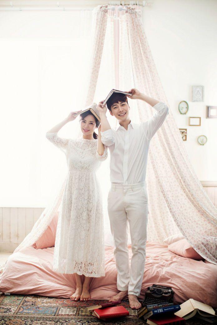 Playful engagement photoshoot | Korea Pre Wedding Photography by Mr. K Korea Pre Wedding | http://www.bridestory.com/mr-k-korea-pre-wedding/projects/korea-pre-wedding-photography