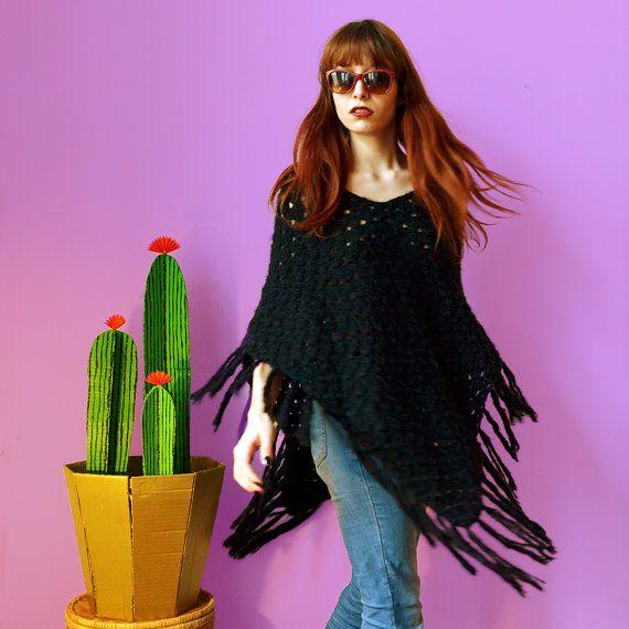Boho vintage 70s black crocheted knit poncho // boho hippie gypsy chic tassels