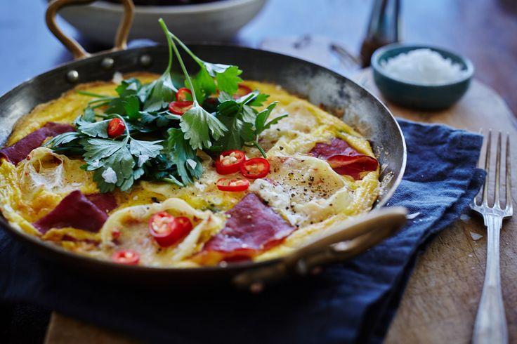 Fritata med creamy chili og bresaola