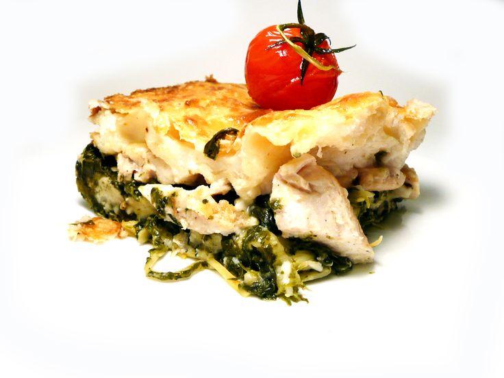 Lasagne s kuřecím masem, krémovým listovým špenátem a parmazánem U Kaštanů Braník. #ukastanubranik http://www.ukastanu.cz/branik