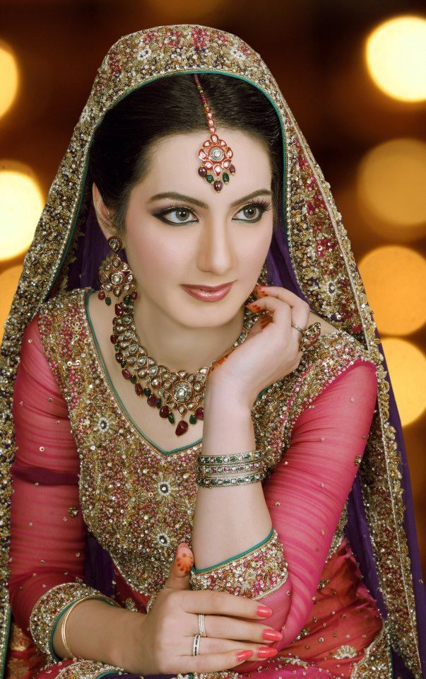Here view pakistani bridal jewelry trends 2012-2013.Pakistani bridal jewellery styles and designs for more pakistani and asian bridal jewellery designs visit http://fashion1in1.com/asian-clothing/pakistani-bridal-jewellery-trends/