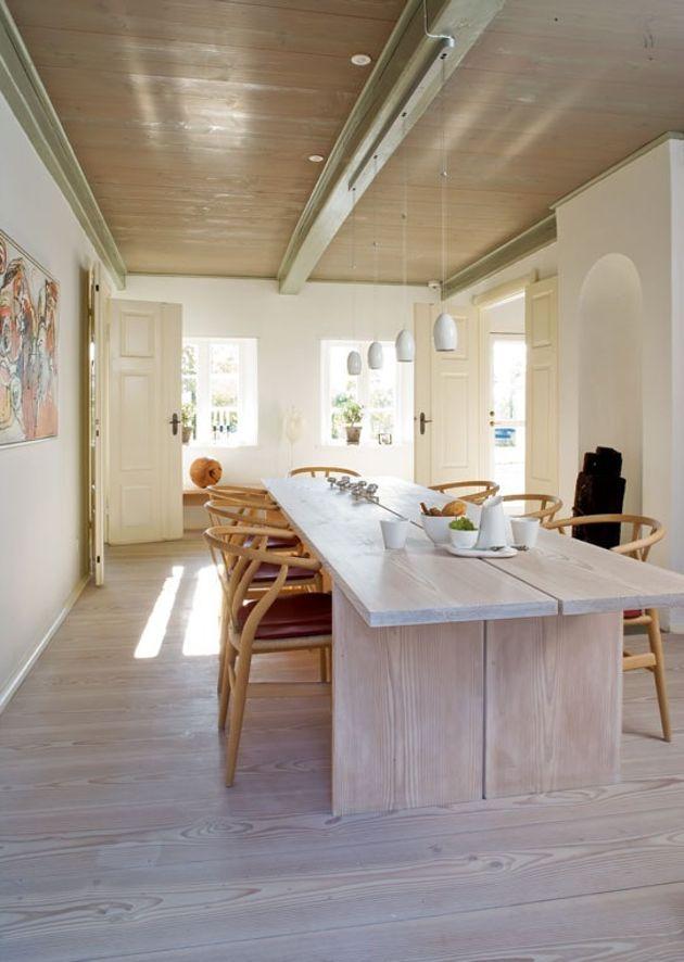 Dining table. Spisebord, laget selv av Dinesen planker