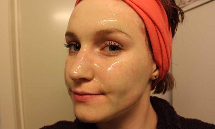 A+kozmetikai+szalonokban+is+használják+a+zselatint,+hogy+az+arcbőr+gyorsabban+kisimuljon,+puhább+legyen+és+a+vérkeringést+is+serkenti,+csak+ezek+a+kozmetikai+szerek+jóval+drágábbak,+mint+az+otthon+készített+arcmaszk.+Itt+van,+hogy+hogyan+kell+megszépülni+a+zselatinnal. Arckrém+készítése  1…