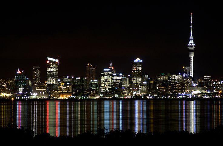 http://www.absolutenewzealand.com/wp-content/uploads/Auckland1.jpg