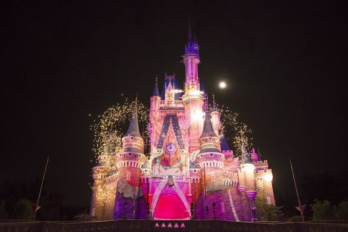 "Projection mapping ""Once Upon A Time"" at Tokyo Disneyland / 衝撃の新作!東京ディズニーランド~ワンス・アポン・ア・タイム攻略法 