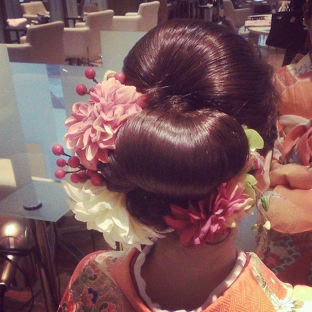 卒業式season到来! 早朝から和装UP。 着物×面×飾りの融合 職人気質が放出される仕事ですな 髪飾りも私のハンドメイドの物をお選び頂きました♪ #卒業式#着物ヘア#着物アレンジ#ヘアセット#ヘアアレンジ#和装髪型#和装UP#髪飾り#hairmake#hairstyle#hairarrange#hairset#beauty#ai髪