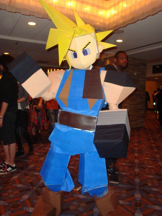 Cloud Strife meets cosplay meets papercraft