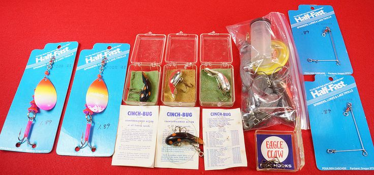 Vintage Fishing Lures and Contents of Old Tackle Box   eBay Link: http://www.ebay.com/itm/-/302061165561  RD13967  Go back to Tin Can Alley - FOR SALE: http://www.bagtheweb.com/b/PBdAfQ