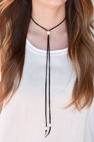 Brown Suede choker with pearls. www.shopalix.com
