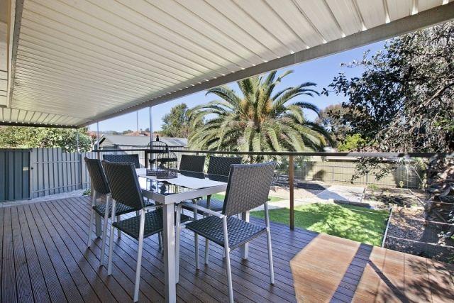 outdoor entertaining timber deck