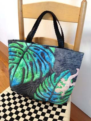 Tote w/ leaf applique