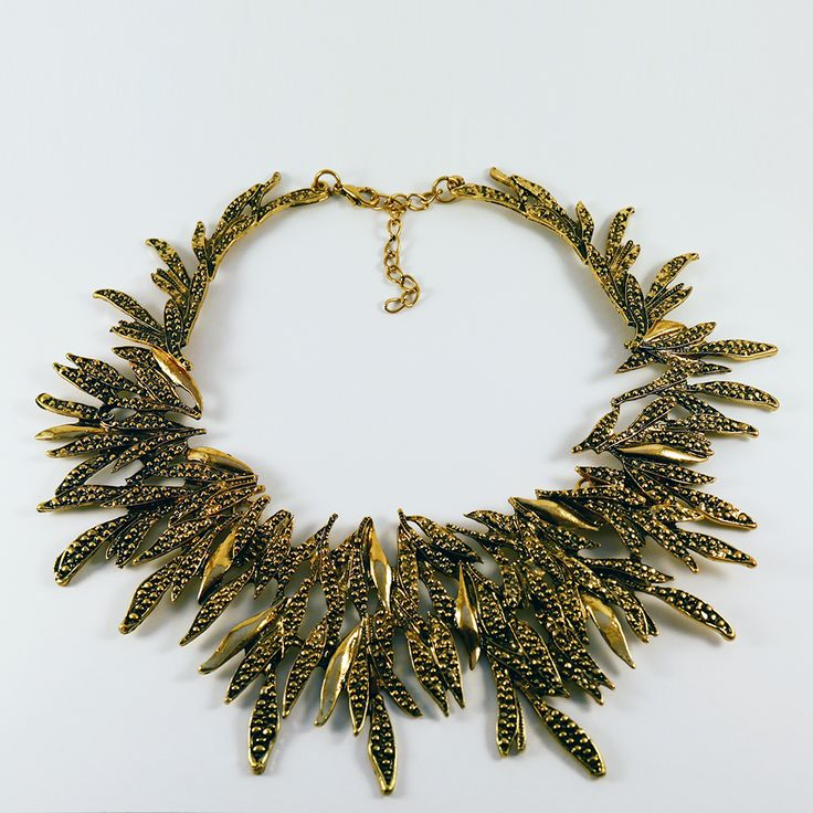 Ivy: Make sure your accessories are the only drama this Christmas! This beautiful collar necklace has a texturised leaf design and will bring that li'l black dress to life. Get yours here: http://www.eleanorhalljewellery.com/collections/christmas/products/ivy