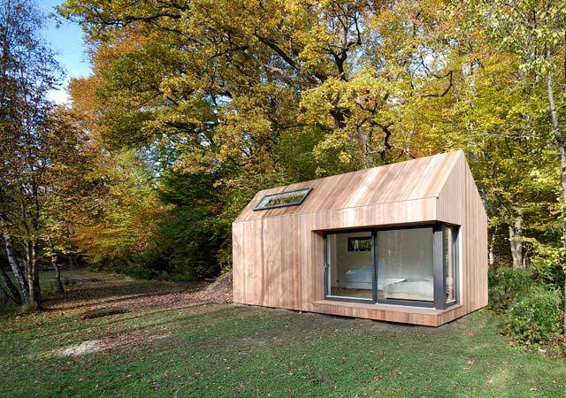 Dual-Pitch Prefab Studio by Ecospace. (UK)