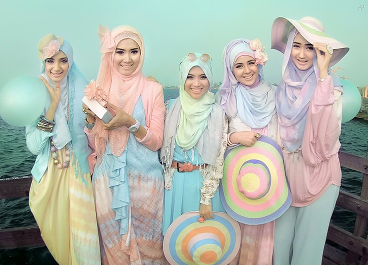 Not 'My Style' but these girls are really stylish..