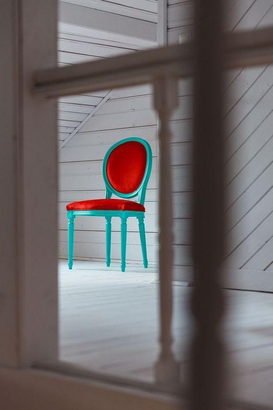 Beautiful chairs from Photoliu, upholstered in Dinozoli fabrics! Shop here: http://shop.photoliu.com/