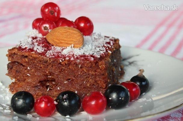 Šťavnatý koláčik s lahodne rozplývajúcou sa čokoládou vo vnútri :-)